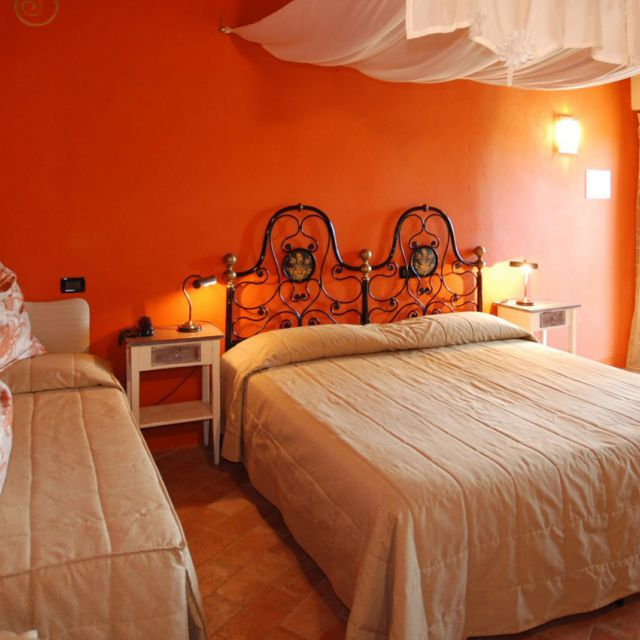 Rooms & Suites - The 14 rooms and 2 suites are mostly furnished in traditional tuscan style, some in modern style with beamed ceilings and terracotta floors....