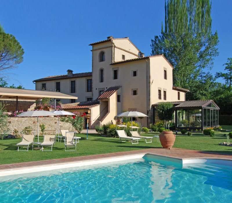 Boutique hotel in the beautiful countryside of San Gimignano